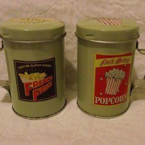 SNACK TIN, salt n pepper set Nostalgic